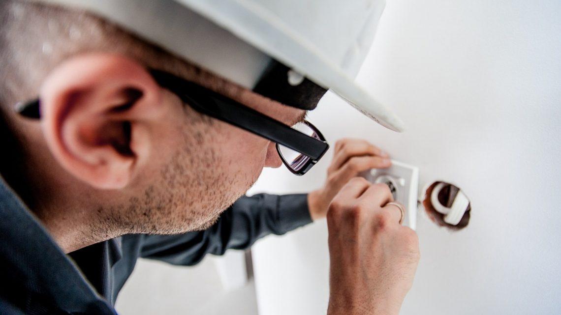 La sécurité au travail, un sujet primordial pour les électriciens.